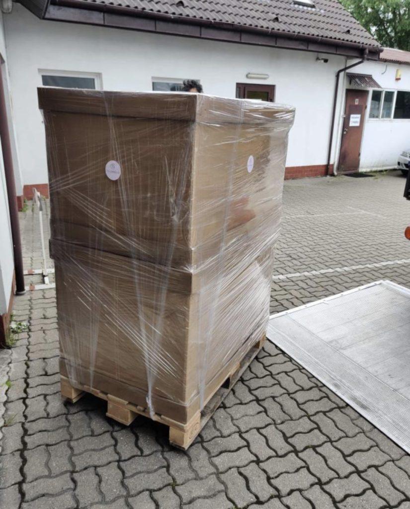 出荷1 (コロナで遅れていた製品が現地を出発しました‼️ポーランド製品、輸入ペットアクセサリー、ポーランドハンドメイド)